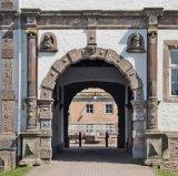 Castles of the Weser renaissance