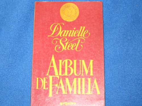 Album De Familia/Family Album