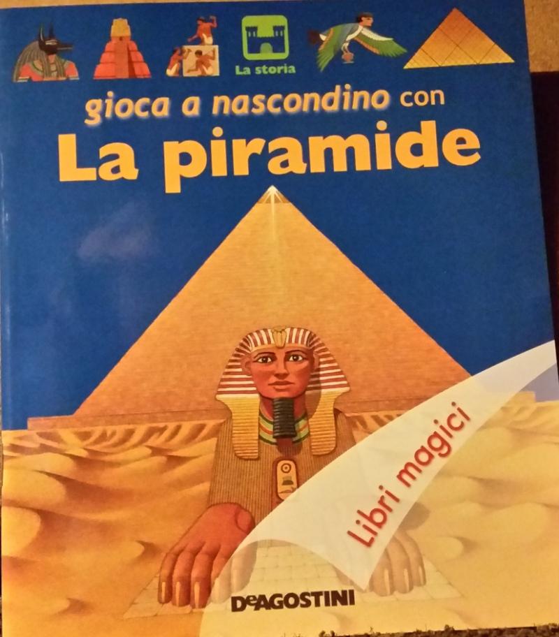 Gioca a nascondino con la piramide