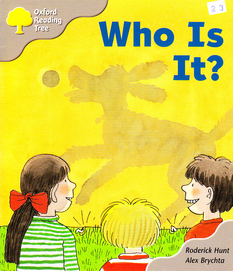 Oxford Reading Tree: Stage 1: First Words Storybooks: Who Is It?