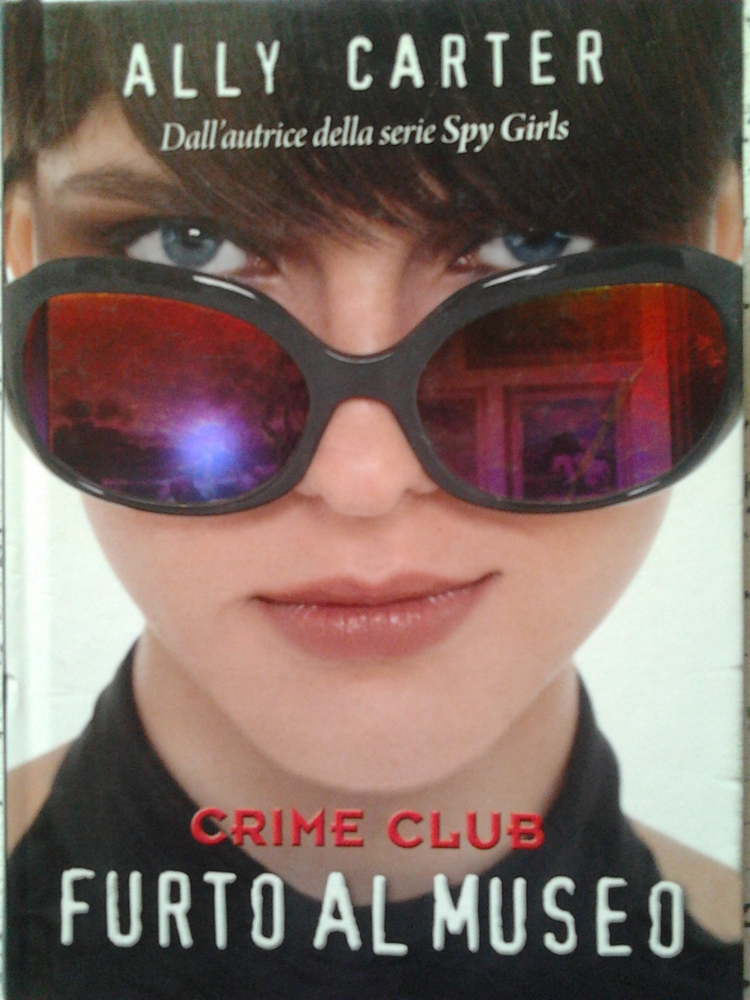 Crime club: Furto al...