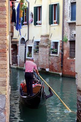 Romantic Gondola Rid...