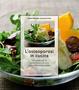 Cover of L' osteoporosi in cucina. Una guida per la prevenzione e la cura con molte ottime ricette